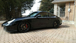 2003 Porsche 911 C4s Coupe (2 door)