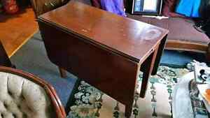Vintage/antique double drop leaf side or dining table. Good cond