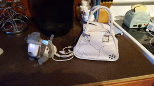 idog with outfit and carrying case Peterborough Peterborough Area image 2