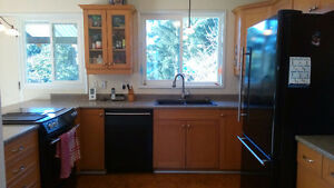 Nanaimo furnished house rental, 5bed, 3ba, Apr to June $2500.m