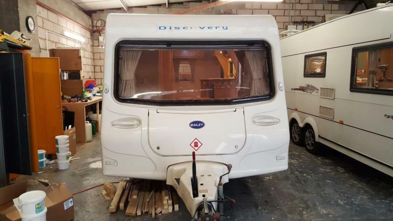 BAILEY DISCOVERY 400/4 SB 4 BERTH FIXED SINGLE BEDS ONLY 930KGS UNLADEN