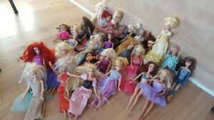 Over 20 Barbies with asscerores and 3 Prince