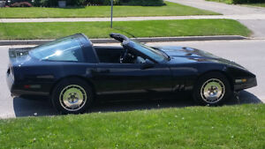 Very clean and fast 1985 Corvette London Ontario image 2