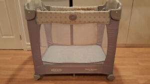 Graco Travel Lite Crib with Stages - just like new