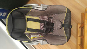 Excellent condition infant carseat only used 3 times