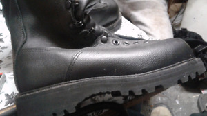 Military combat boots for sale Brand new