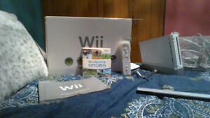White Nintendo Wii (Console) With Wii Sports & Controller