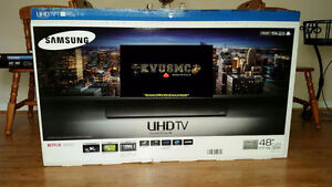 """*Like NEW* Perfect condition Samsung 48"""" 6400 - Original package"""