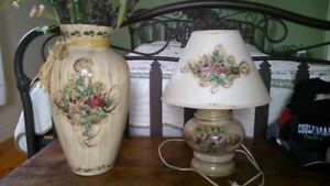 Lampe et vase