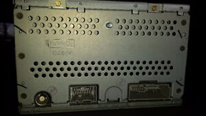 Ford cd changer London Ontario image 2