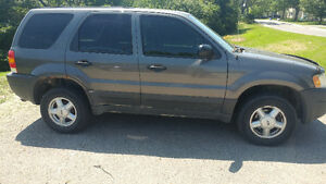 2004 ford escape.  Runs needs maintenance