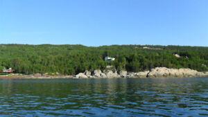 Très grand terrain Bord de l'eau Bas du Fleuve Saint-Laurent