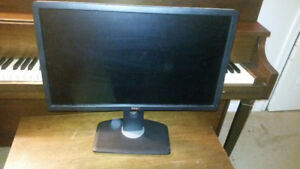 DELL U2312HMt MONITORS FOR SALE, EXCELLENT CONDITION