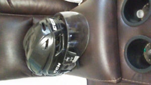 Mens ccm helmet with visor
