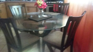 dining table & chairs Kitchener / Waterloo Kitchener Area image 1