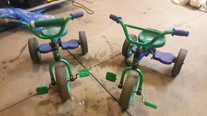 Set of two tricycles supercycles