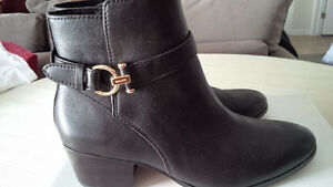 New Coach Modern Boots - for sale ! Kitchener / Waterloo Kitchener Area image 6