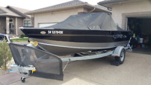 2016 LUND fishing boat for sale