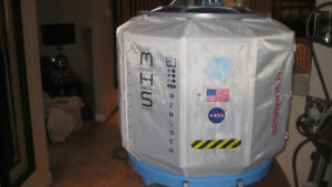 AMERICAN GIRL MARS HABITAT SPACE CAPSULE LIKE NEW