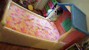 Twin size littlw tykes cottage bed
