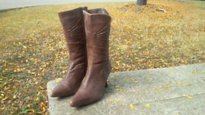 ladie brown leather boots