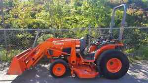 Kubota B3030 with Loader and Mower