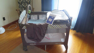 Graco Playpen Pack 'n Play with Changer