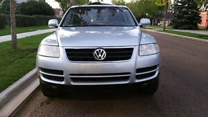 2004 Volkswagen  Touareg...Leather & heated seats>>BLOW OUT SALE