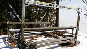Eastern township GM HYD 6500 solar powered hydraulic boat lift