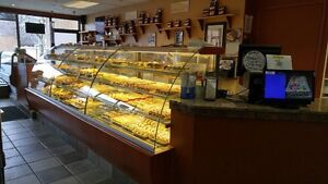 DISPLAY COOLERS AND PASTRY DISPLAY CASES