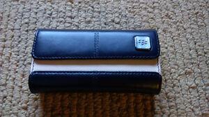 BlackBerry Leather Folio fits Q10 and 8900 Cambridge Kitchener Area image 1
