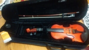 Child's Violin Outfit (size: 1/16)