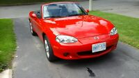 2004 Mazda MX-5 Miata GS Coupe (2 door)