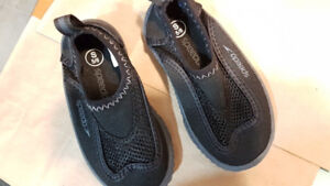 Speedo water shoes kids toddler size 5-6