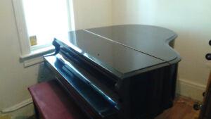 Baby Grand Piano in Vernon, MOVING