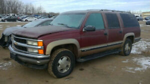 1998 SUBURBAN.. JUST IN FOR PARTS AT PIC N SAVE! WELLAND