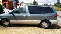 2000 Toyota Sienna XLE Minivan, Van