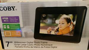"""Cadre photo numérique 7 pouces (7"""")"""