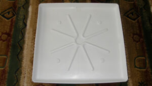 "30"" X 32"" DRIP/DRAIN PAN FOR UNDER WASHER OR HOT WATER TANK"