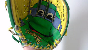 vintage 1990s Teenage Mutant Ninja Turtles baseball glove (Don)
