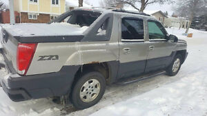 2003 Chevrolet Avalanche z71 sport Pickup Truck REDUCED to $3300