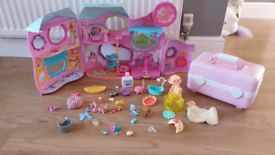 Littlest Pet Shop Tail Waggin Fitness Club Playset & pets LPS