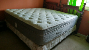 MOVING SALE! King-sized bed set