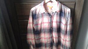 2 Ladies Joe fresh plaid shirts size xl