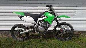 (((AUBAINE))) 2011 MOTOCROSS 250CC 4-TEMPS (((AUBAINE)))
