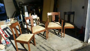 Solid oak set of 4 antique chairs