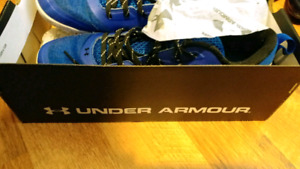 MENS UNDER ARMOUR SNEAKERS KICKS SIZE 12