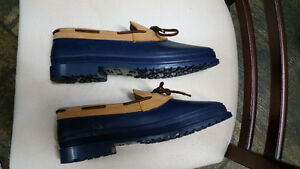 NEW ladies duck shoes size 10, blue Sarnia Sarnia Area image 2