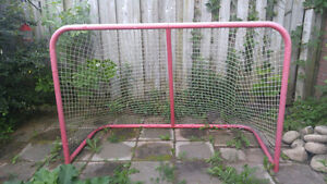 AMAZING DEAL LARGE SIZE HOCKEY NET/KARATE SET