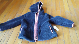 brand new old navy sweater 2t